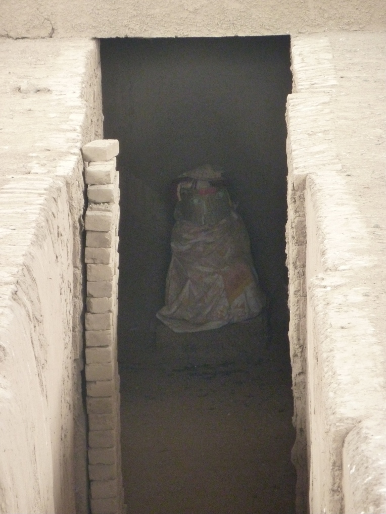 chan chan burial