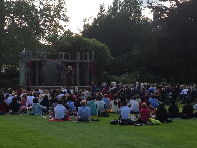 Outdoor Shakespeare, Cambridge // A Slice of Peru