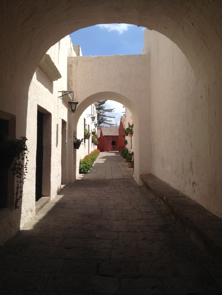 white walls, Santa Catalina Monastery, Arequipa // A Slice of Peru