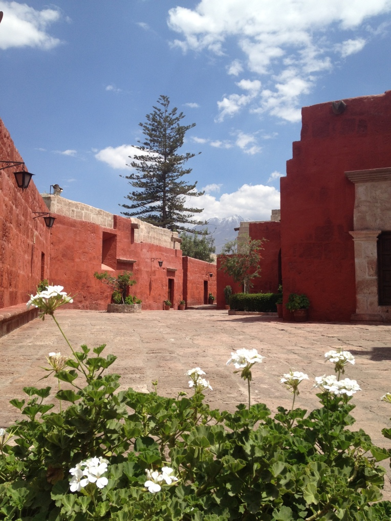 courtyard space w/ mountain view, Santa Catalina Monastery, Arequipa // A Slice of Peru