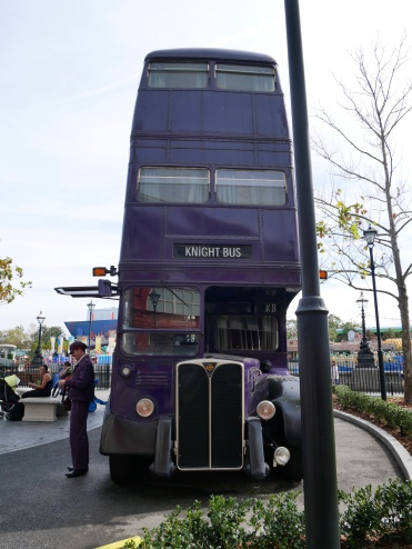 Knight Bus, The Wizarding World of Harry Potter, Universal Studios, Orlando // The Little Edition