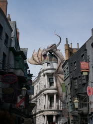 Diagon Alley, The Wizarding World of Harry Potter, Universal Studios, Orlando // The Little Edition