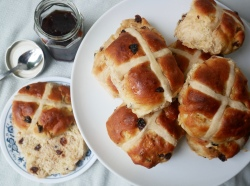 Hot Cross Buns // The Little Edition